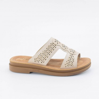 Lacey Sliders in Cream